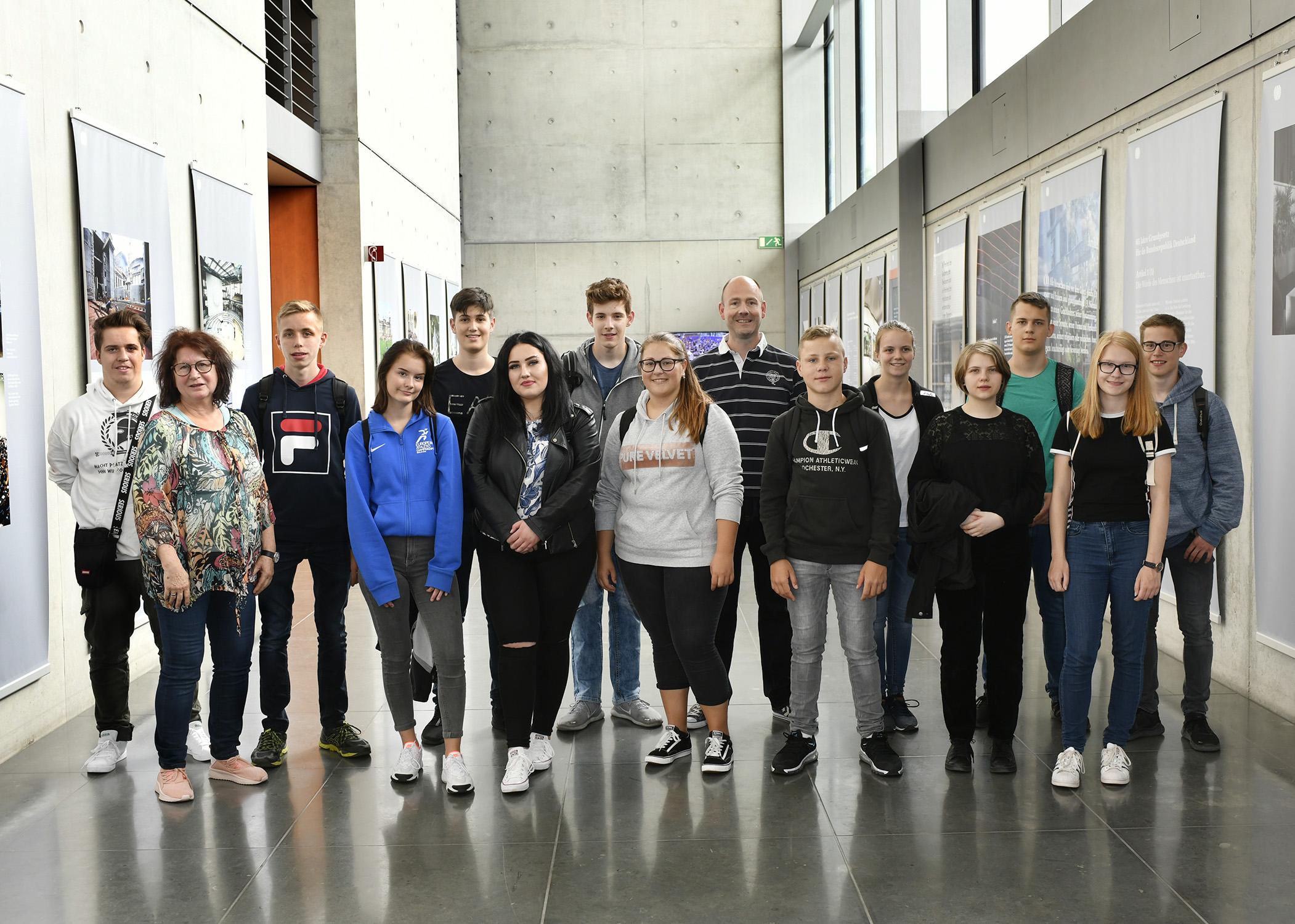 10. Klasse der Franziska-Höll-Realschule aus Bühlertal auf Studienfahrt.