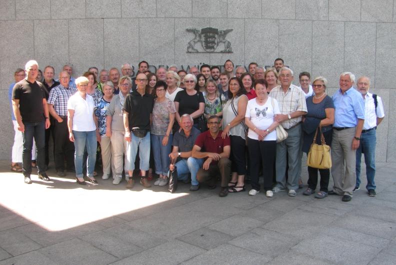 BPA-Gruppenfoto vor der Landesvertretung Baden-Württemberg