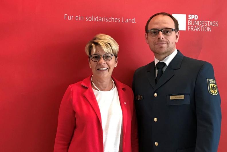 Blaulichtkonferenz der SPD-Bundestagsfraktion in Berlin – Thorsten Dossow aus Rastatt nimmt teil