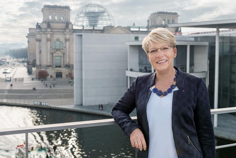 Ausschreibung zur Berlinfahrt für ehrenamtliche junge Menschen