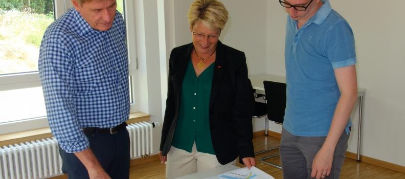 """""""Beeindruckendes Wissen zum Hochwasserschutz"""" Gabriele Katzmarek besucht WALD + CORBE in Hügelsheim"""